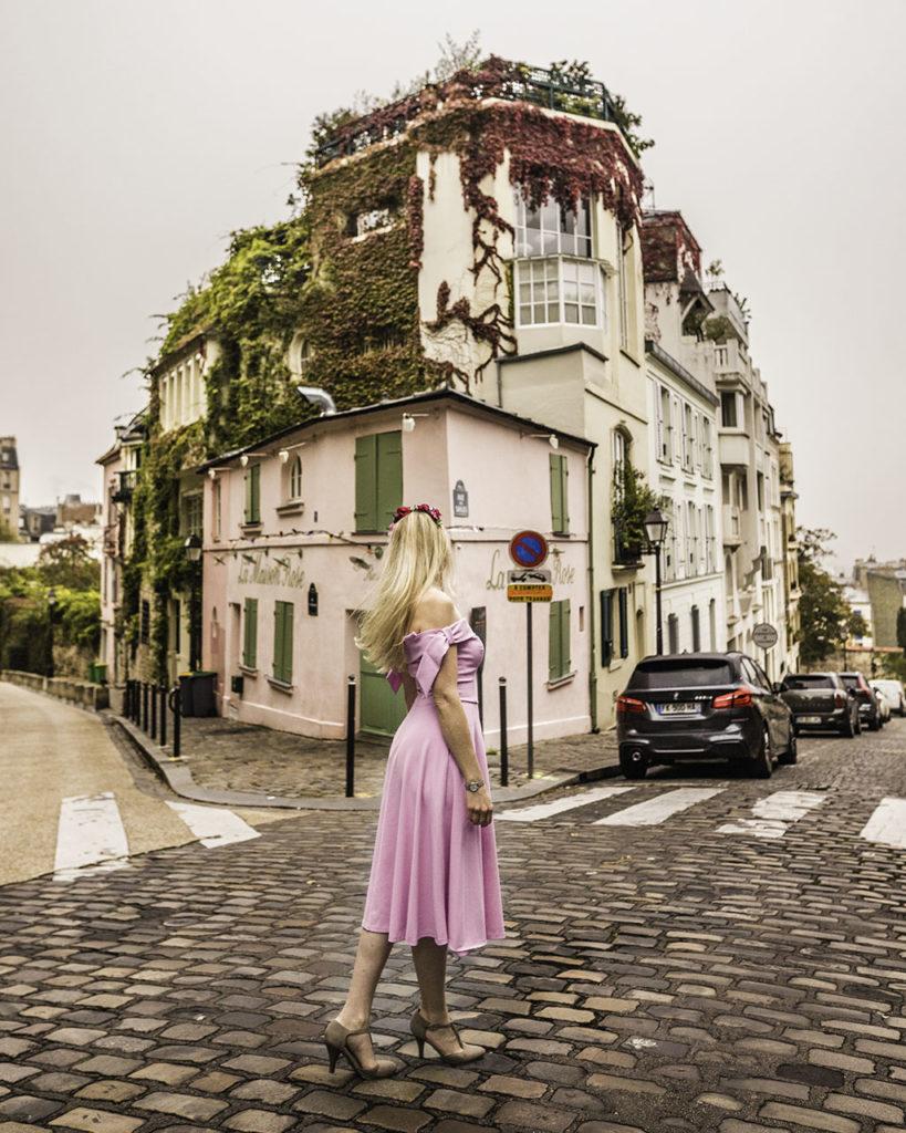 Paris in autumn - La Maison Rose in Montmartre