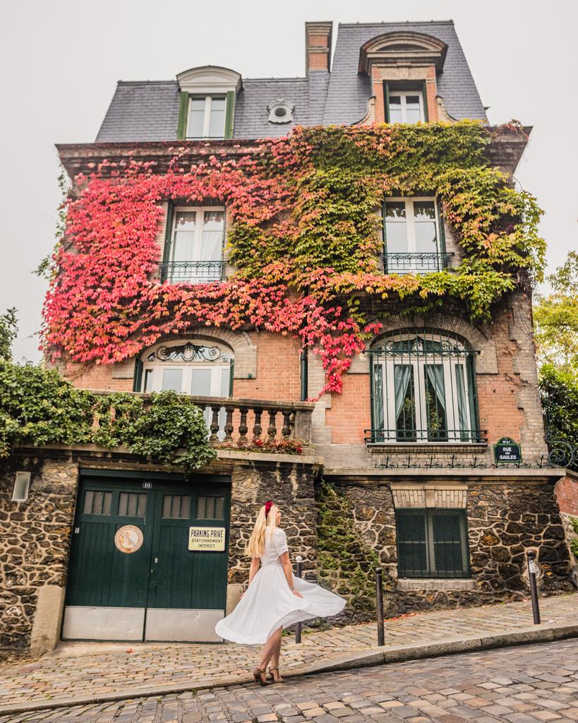Rue de l'abreuvoir in Montmartre - Paris in fall
