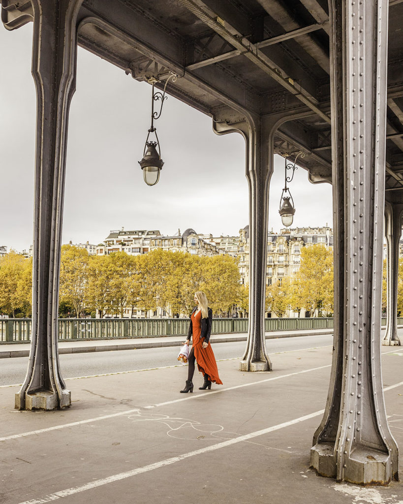Paris in autumn - Bridge of Bir Hakeim