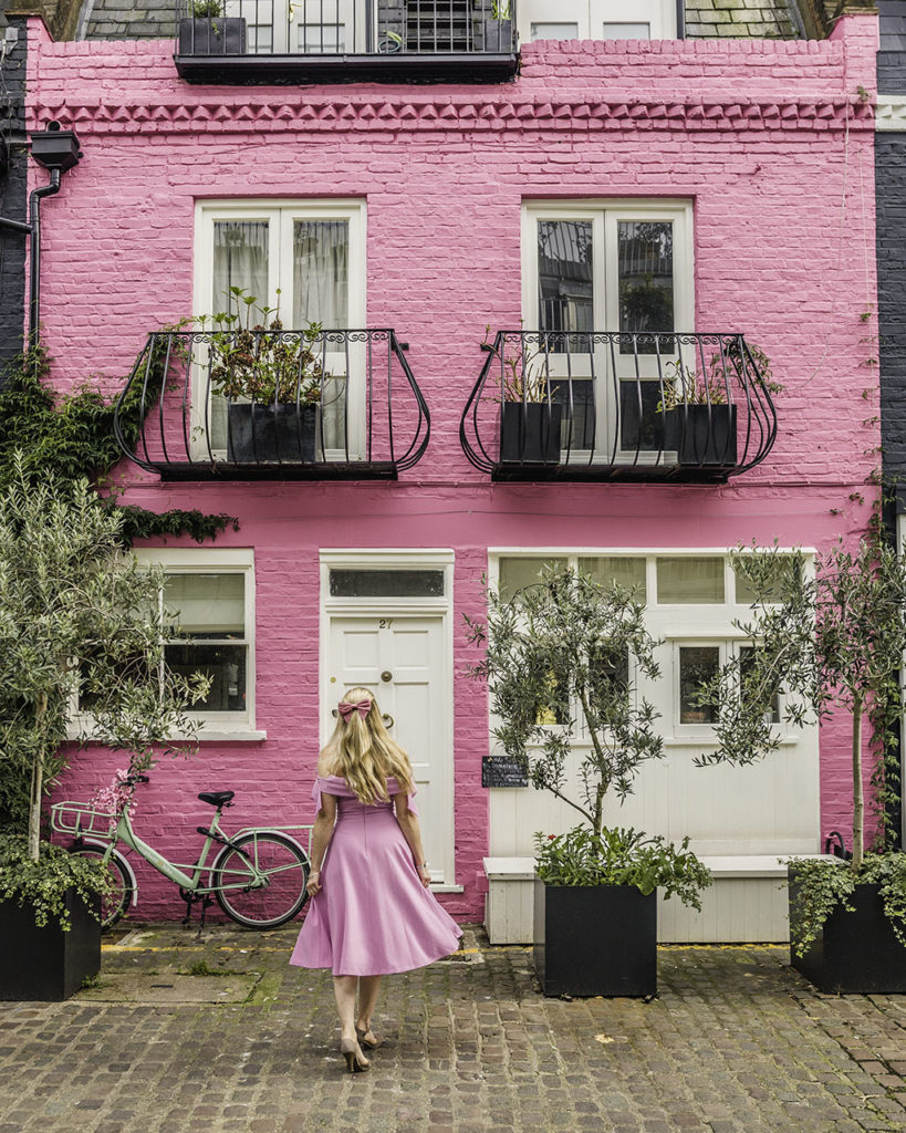 Notting Hill Pink House in St Luke Mews - London