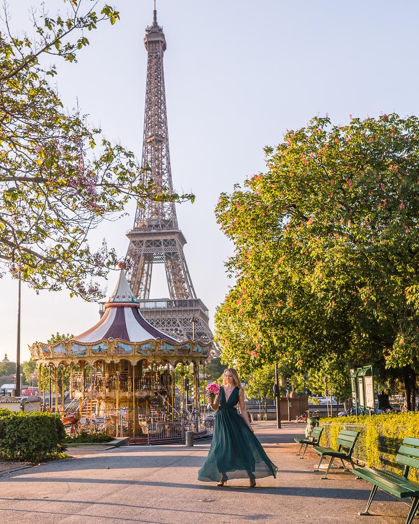 Trocadero: carousel and Eiffel Tower - Paris