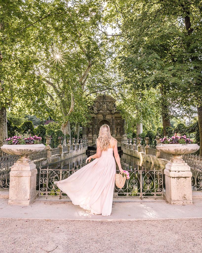 Fontaine de Médicis in Jardin du Luxembourg - Paris