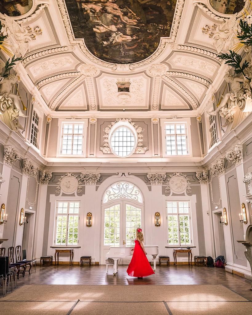 Main room of Kadriorg Palace - Tallinn, Estonia