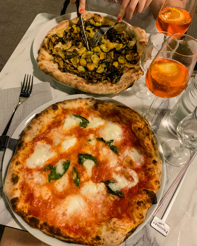 Pizza in Il Gusto Restaurant in Manosque (Provence, France)