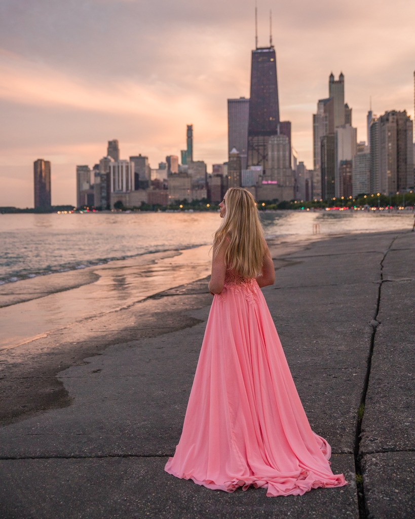 Sunset at North Avenue Beach with Chicago skyline views - Chicago, USA
