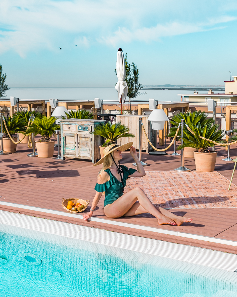 Rooftop swimming pool of the AC Hotel in Nice - French Riviera