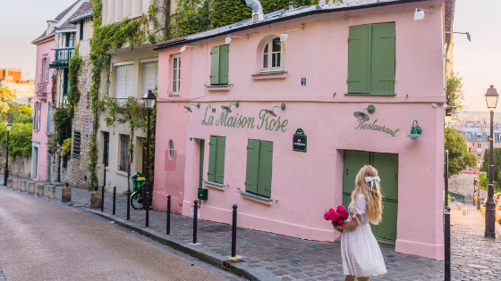 La Maison Rose in Montmartre - Paris